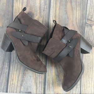 OLD NAVY HEELED ANKLE BOOTIES BROWN  SLIP ON 8